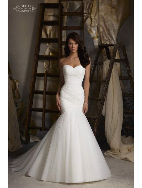 Love fishtail wedding dresses! Slightly different than the mermaid the perfect compromise between classic and modern