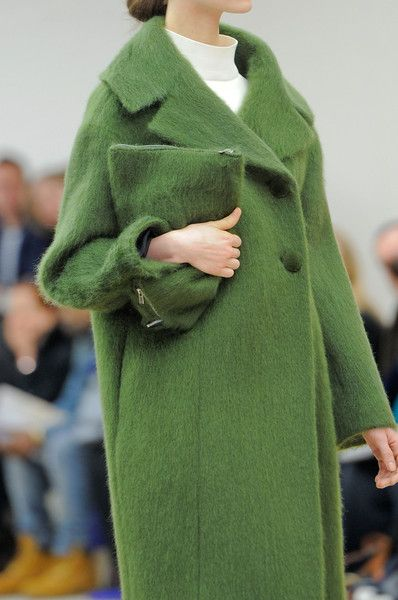 View all the detailed photos of the Celine autumn (fall) / winter 2013 showing at Paris fashion week. Read the article to see the full gallery.