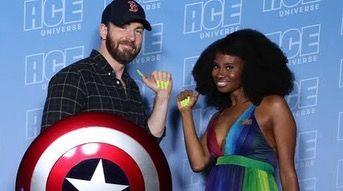 Chris Talking About The Acrylic Nails Memes Chris Evans Captain America Chris Evans Man Thing Marvel