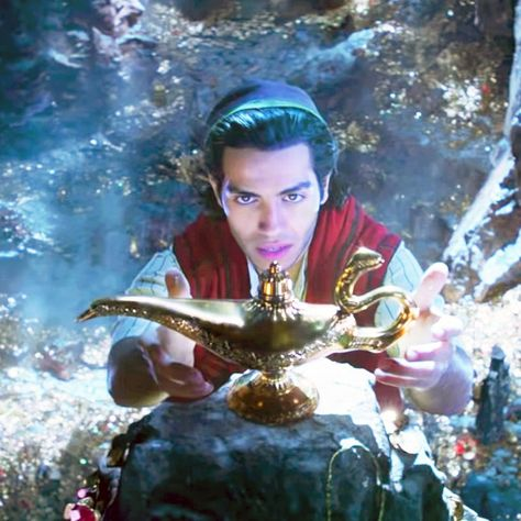 The First Trailer for Disney's Live-Action Remake of 'Aladdin' Is Here!