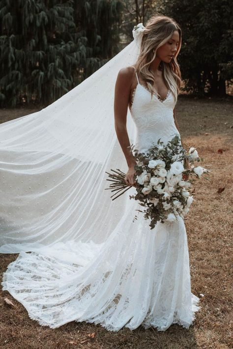 Everything you need to know about Grace Loves Lace wedding dresses. Find out who stocks new and secondhand Grace Loves Lace wedding dresses. Wedding Dress Trumpet, Wedding Dress Mermaid Lace, Cute Wedding Dress, Long Wedding Dresses, Mermaid Dresses, Boho Wedding, Bridal Dresses, Lace Weddings, Wedding Rings