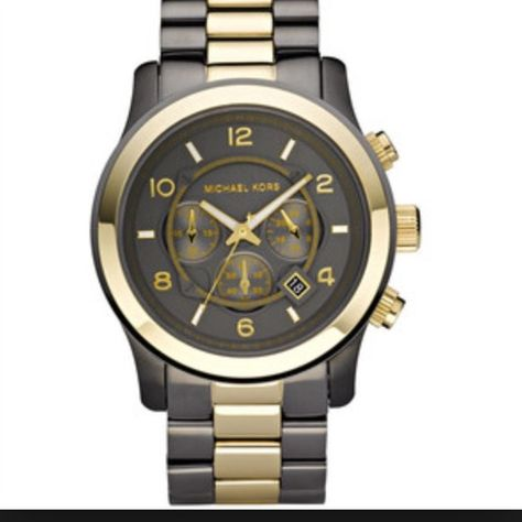 Michael Kors two tone unisex In perfect condition. Comes with box. Stainless steel case with a two-tone (gunmetal and gold-tone) stainless s bracelet. Fixed gold-tone bezel. Black dial with luminous hands and Quartz movement. Scratch resistant mineral crystal. This price with 🅿️🅿️ only. Michael Kors Accessories