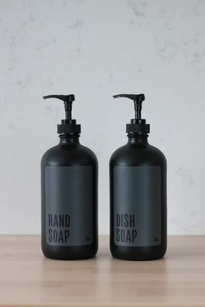 These Matte Black Hand And Dish Soap Bottles Are So Good You Won T