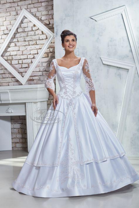5281ef6ebd Kati Szalon- Hagyományos díszmagyar menyasszonyi ruha, ujjas menyasszonyi  ruha magyaros stílusban