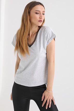 2042 V Yaka Tullu T Shirt Kadin Giyim Kadin Giyim