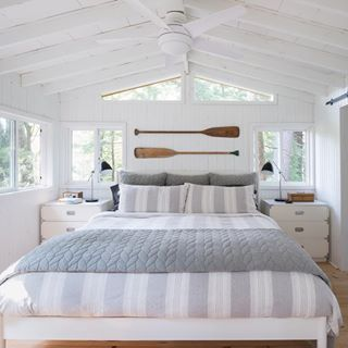 One of the most popular ways to give a space classic cottage style is to install shiplap panelling on the walls Photographer Alex Lukey Designer Margot Austin Beach House Bedroom, Nautical Bedroom, Coastal Bedrooms, Beach House Decor, Home Bedroom, Home Decor, Lake House Bedrooms, Cottage Bedroom Decor, Beach Cottage Bedrooms