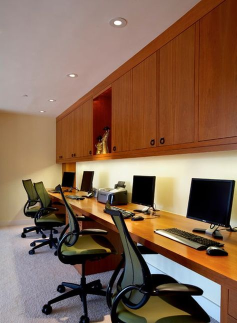 How To Choose The Perfect Desk For A Home Office Executive
