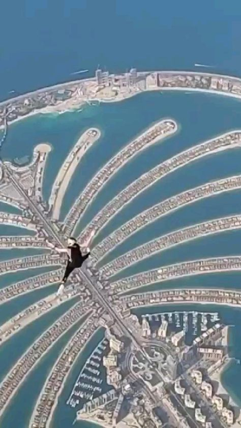 Skydiving over the Palm Jumeirah