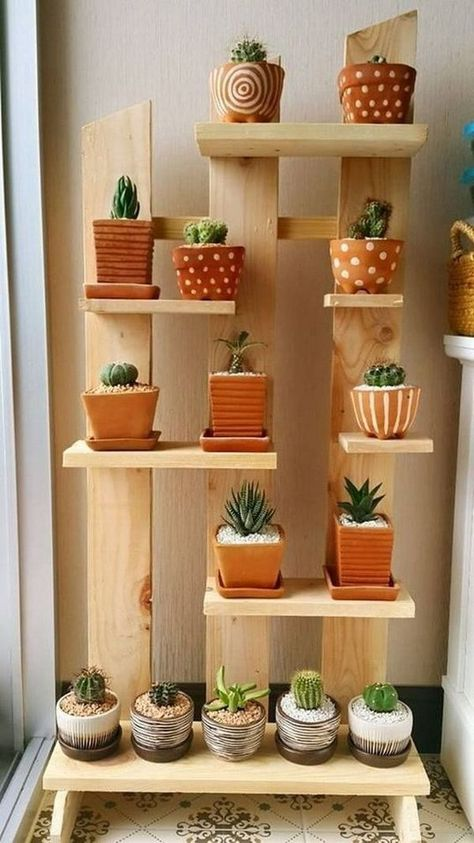 Decoration with wooden pallets. Furniture with pallets. -  Shelving to place pots made with pallet wood. Vertical garden made with pallets. #mueblesdiy #palle - #cactus #decoration #furniture #houseplants #indoorgardening #pallets #wooden