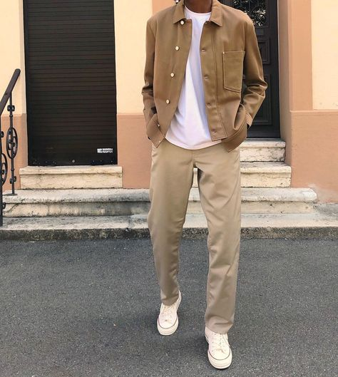 Mode Streetwear, Streetwear Fashion, Indie Outfits, Trendy Outfits, Street Casual Men, Khaki Pants Outfit, Teenage Boy Fashion, Asian Men Fashion, Haute Couture Paris