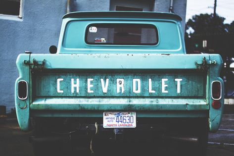 Ideas Old Classic Truck Dream Cars For 2019 Radios, Cowboy Photography, Classic Chevy Trucks, Classic Cars, Chevy Classic, Old Pickup Trucks, Jolie Photo, Vintage Trucks, Old Cars