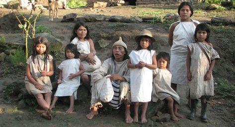 560 Ideas De Culturas En 2021 Cultura Disenos De Unas Maquillaje Indigena