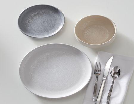 Modrn Scandinavian 4 Piece Dinner Plate Set White Walmart Com In 2020 Scandinavian Dinner Plates Dinnerware Set Dinner Plate Sets