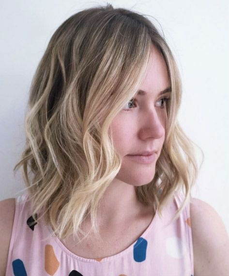New Cool And Attractive Medium Wavy Hairstyles 2019 For Women To