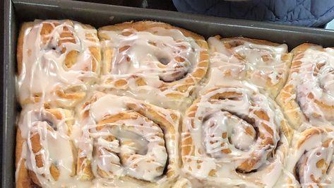 Cake Mix Cinnamon Rolls Recipe In 2020 Cinnamon Rolls Rolls Food Recipes