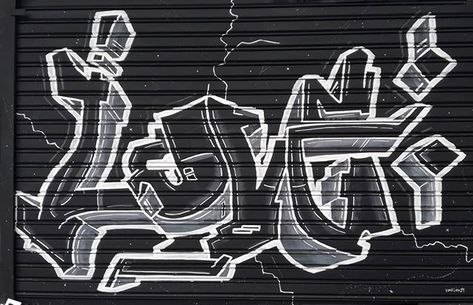 """Vanilou Typafun LOVE Studio en Instagram: """"Un LOVE en Balles, cuentale. . Más en ▶ @vaniloust . . . #blackandwhite #photographyeveryday #f4f #bg #moderncalligraphy #calligraphy…"""""""