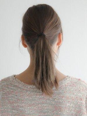 紐ゴムを使って髪を結ぶ方法 ヘアスタイル ロング ヘアアレンジ