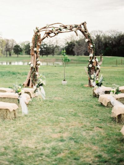 Tree branch ceremony arch:http://www.stylemepretty.com/texas-weddings/2014/09/17/intimate-ranch-wedding-in-texas/ | Photography: Jared Tseng - http://www.jaredtseng.com/