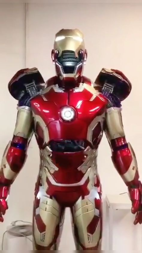 Do you like this simulated Iron Man model? #loveit #marvel#avengers #hightech  #ironman4ever #ironman #assembly #tonystark#armor