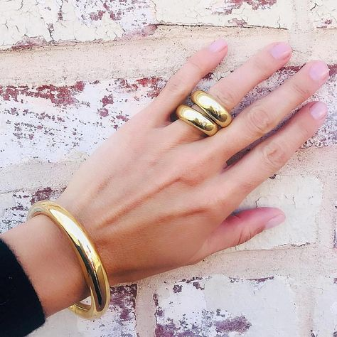 Strong foundation ✨◽️✨◽️ #18ktGold #Lassell #Rings #Bangle #madeintheusa🇺🇸 #MothersDay #GiftIdeas #goldrings