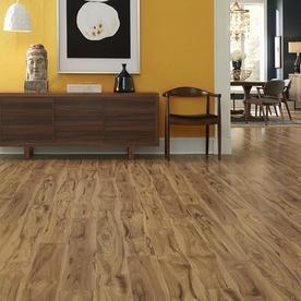 Pergo Portfolio Wetprotect Waterproof Village Grove Hickory 6 14 In W X 47 24 In L Embossed Wood Plank Laminate Flooring Lowes Com Flooring Pergo Flooring Natural Wood Flooring