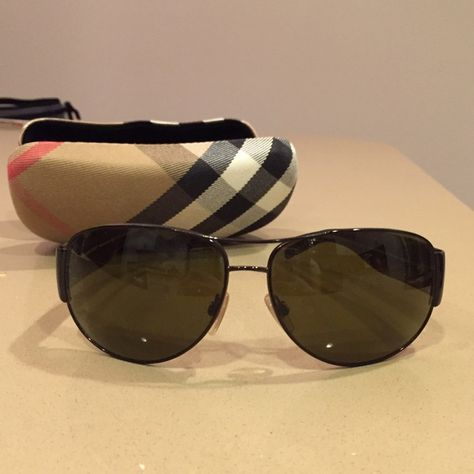 5a16ebb28829 Burberry Aviator Sunglasses B3020 no scratches Rarely worn, these sunglasses  have no visible scratches that I can see and come with the original case.