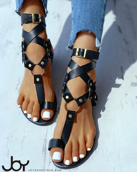Stylish Sandals, Cute Sandals, Flat Sandals, Summer Sandals, Gladiator Sandals, Sneakers Fashion, Fashion Shoes, 70s Fashion, Korean Fashion