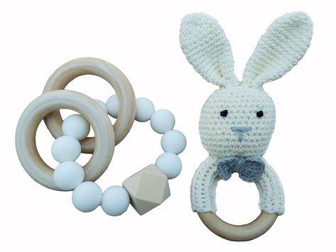 Mali Wear Natural Wooden Baby Kinderkrankheiten Relief Spielzeug- 2 pk Cotton Crochet Bunny an ..., #Baby #babytoysteething #Bunny #cotton #Crochet #Kinderkrankheiten #Mali #Natural #Relief #Spielzeug #Wear #Wooden