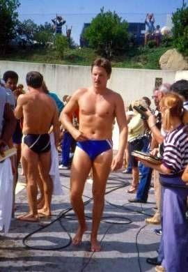 Der Christian  Stier ohne shirt, und mit atletische Körper am Strand