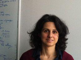 Originaire d'Italie, Bernardetta Addis est actuellement maître de conférences à Mines Nancy, où elle enseigne recherche opérationnelle et optimisation discrète.
