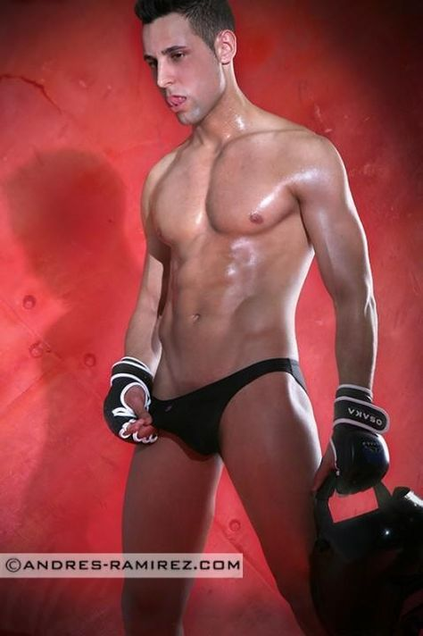 More great men and boys in hot sexy underwear on  http://www.theunderwearpower.com           All best gay blogs and best gay bloggers on http://www.bestgaybloggers.com  Best Gay Bloggers  - http://www.bestgaybloggers.com/ready-to-travel-in-his-gay-underwear-4/