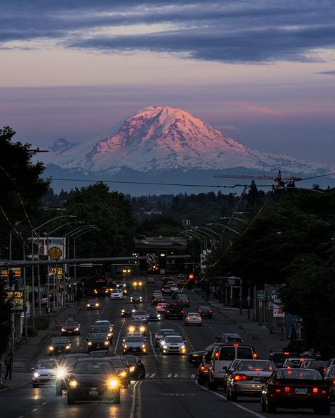 Rainier over Rush Hour in Seattle Places To Travel, Places To See, Beautiful World, Beautiful Places, Mode Collage, Travel Aesthetic, Adventure Is Out There, Aesthetic Pictures, Wonders Of The World