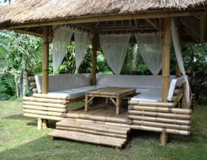 Gazebo Et Ameublement Bambou Laval 53 En 2020 Meuble Bambou Paillote Bambou Bambou
