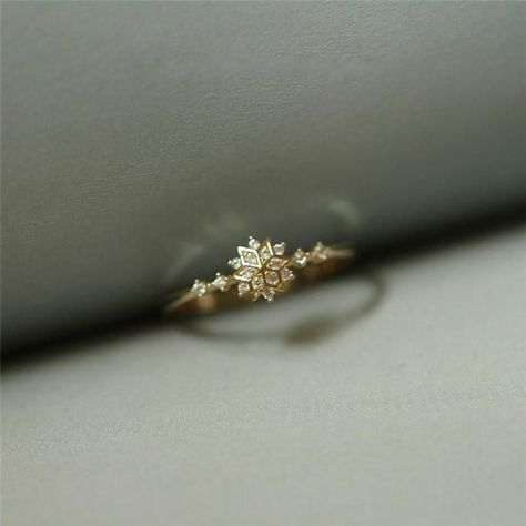 Elegant Snowflake Rhinestone Rings Wedding Engagement Womens Jewelry Gifts D