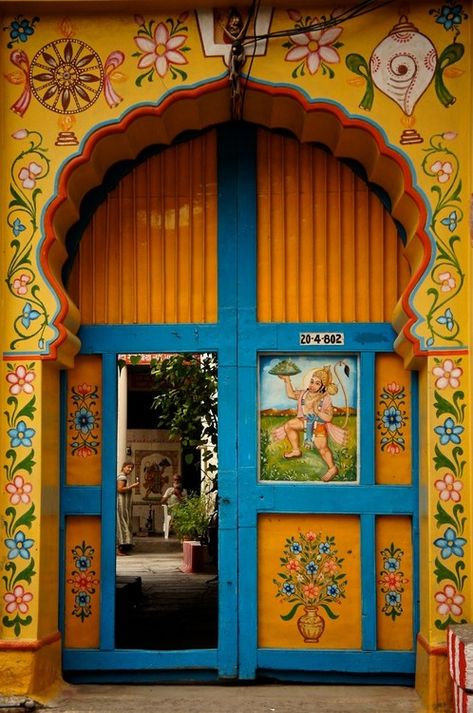 Colorful entrance -  Hyderbad, Andhra Pradesh - India Indian homes. Indian decor. Traditional indian interiors. Ethnic decor. Indian architecture. Interior design india. Carved indian furniture. Contemporary indian design. Architect India.