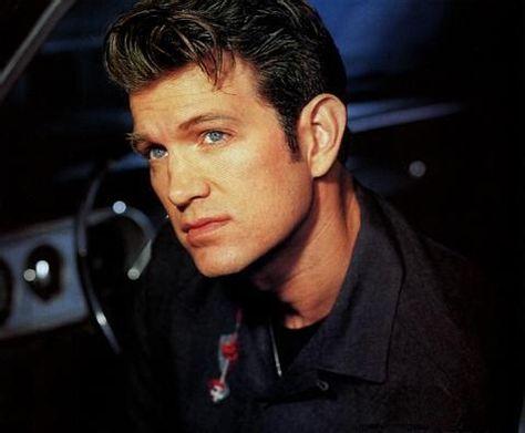 I want a man like him.