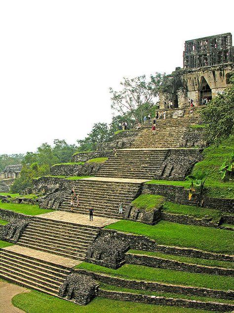 Temple of the Cross at the Mayan site of Palenque, Mexico (by Dennis) Templo de la Cruz en el sitio maya de Palenque , México Places Around The World, Oh The Places You'll Go, Places To Travel, Places To Visit, Around The Worlds, Mayan Ruins, Ancient Ruins, Ancient Greek, Temple Maya
