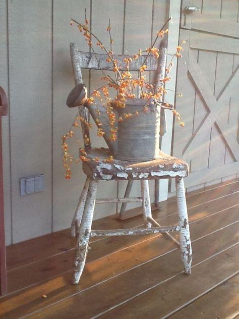 fall decor ideas for the porch Rustic Fall Porch Decor Ideas - DIY Cuteness Autumn Decorating, Porch Decorating, Decorating Ideas, Decor Ideas, Primitive Outdoor Decorating, Primitive Decorations, Fall Home Decor, Autumn Home, Rustic Fall Decor