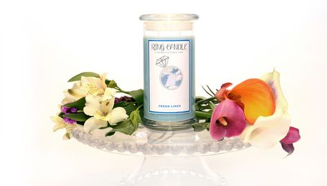Fresh Linen Ring Candle With our new Ring Candles you can now pick your own ring size =) A Perfect Fit Every Time!   A fresh, clean scent with musky and floral undertones. Our Fresh Linen fragrance is the beautiful essence of fresh, clean clothes drying in a warm summer breeze! Beautifully clean, crisp, and pure.