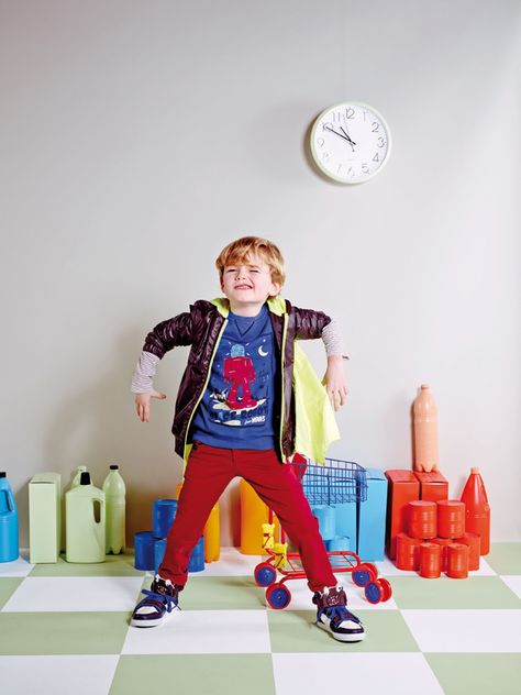 Playfull & stylish raincoat, t-shirt, pants and shoes - Billybandit - - Superhero
