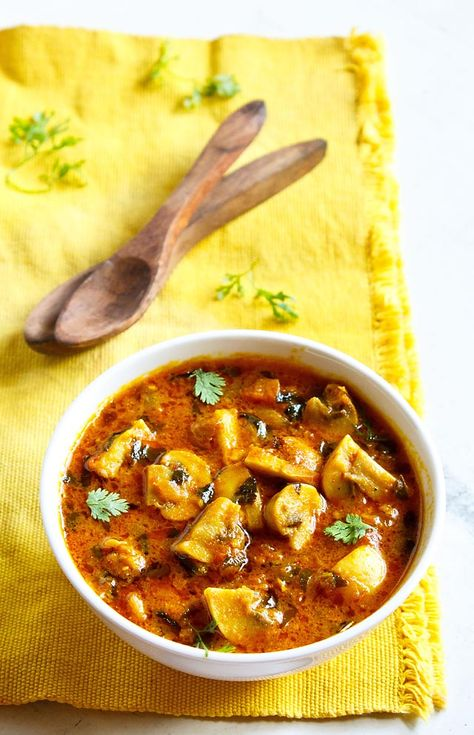 methi mushroom restaurant style recipe – curried dish made with button mushrooms and fenugreek leaves.