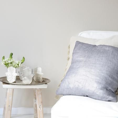 Grey Metallic Cushion In Monochrome Style Shimmering Kissen