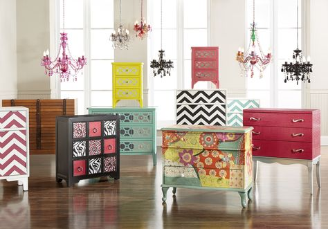 GREAT ACCENT CHESTS TO ADD COLOR TO ANY ROOM!