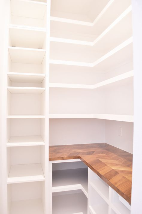 Our DIY Custom Walk-In Pantry Progress and Reveal! Pantry & Walk In Pantry & Butler& Pantry & Pantry Plans & Pantry Ideas & Farmhouse & Pantry Room, Pantry Closet, Walk In Pantry, Built In Pantry, Pantry With Drawers, Diy Walk In Closet, Corner Pantry, Table Design, Küchen Design