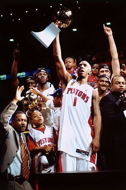 Chauncey Billups Of The Detroit Pistons Celebrates The Win Over The In 2020 Detroit Pistons Kobe Bryant Pictures Pistons