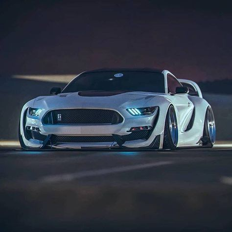 Amazing Mustang Follow The Kyza Mustang Gt Wrap Gt350 Gt500 Shelby Stripes Vinyl Americanmuscle Fordracing Autos Mustang Bmw Autos Superdeportivos