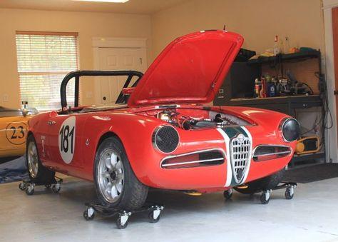 1962 Alfa Romeo Giulietta Spider Veloce Front