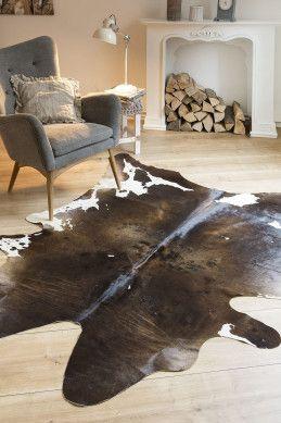 Kuh Fell In Braun Gemustert Teppiche Interieur Und Wohnaccessoires Moderne Frische Einrichtung Hochflor Wohnzimmer Teppich Teppich Wohnzimmer Teppich Braun