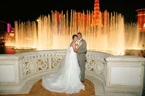 Google Image Result for http://www.thelifeofluxury.com/images/wedding_at_bellagio_fountain.jpg