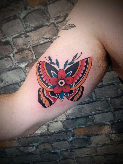 #tattoo #tatoofeminina #tattoos #tattoostyle #tatuagem #tat #tatoo #tatoos #tats #tatto #tatuagemmasculina #ink #inked #realismotattoo #tatuagempretoecinza #body #art #tattooart #tattooshop #instagood #instagram #brasil #brazil #curitiba #blackandgreytattoo #work  #gangsofnewyork #theredfoxtattoo